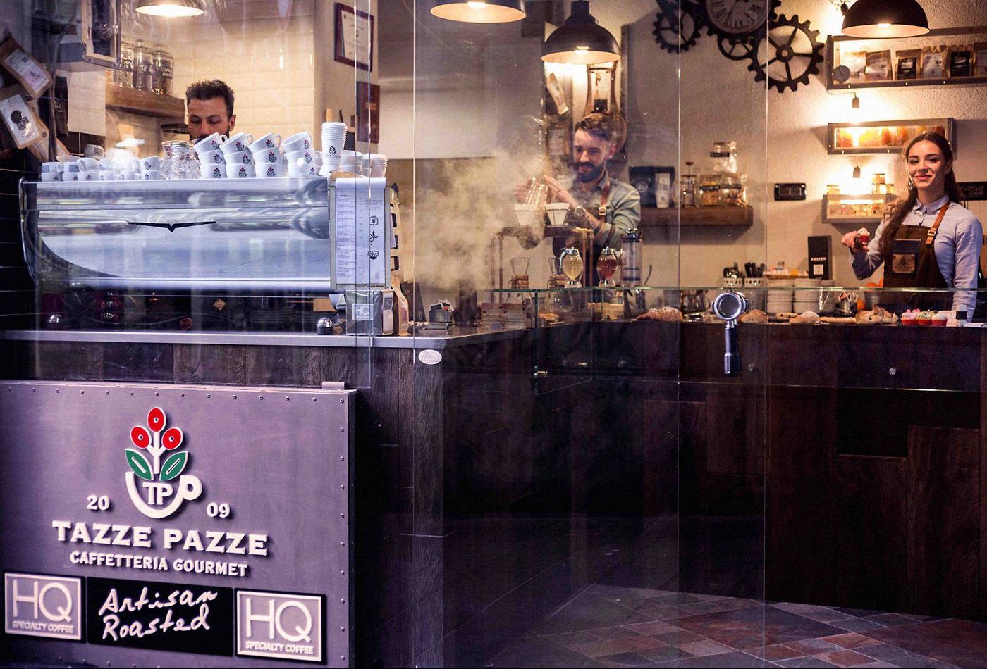tazze-pazze-caffetteria-gourmet-genova-coffee-specialty-brewing-andrea-cremone-barista-baristas-branding-vacaliebres-logo-brand-tp