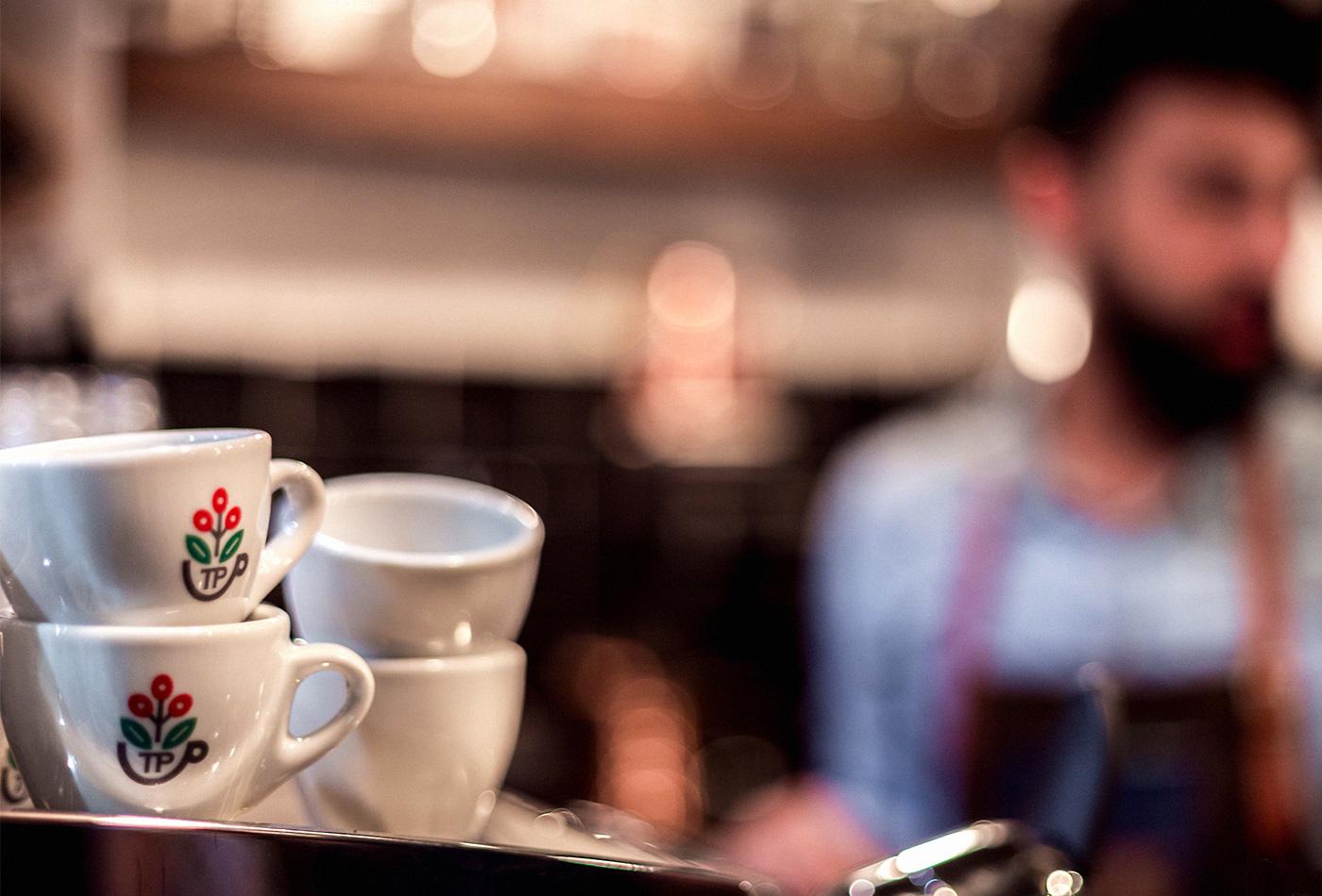 tazzepazze-tazze-pazze-caffetteria-gourmet-genova-coffee-specialty-brewing-andrea-cremone-barista-baristas-branding-vacaliebres-logo-10.03.15