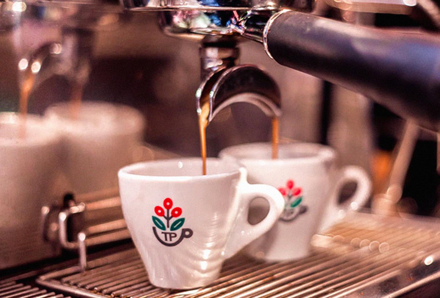 tazzepazze-tazze-pazze-caffetteria-gourmet-genova-coffee-specialty-brewing-andrea-cremone-barista-baristas-branding-vacaliebres-logo-espresso